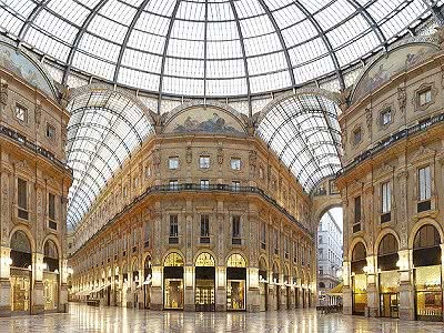 Superb hotel in Milan for sale with 100 bedrooms